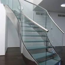Sửa cầu thang kính chất lượng
